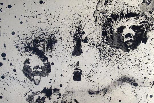 《84行为艺术》,19 8 4年行为,艺术家将墨汁涂满全身,在宣纸上印拓,宣纸13 5 × 6 8厘米