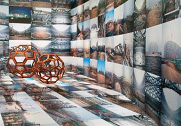 """2012年,艾未未展览""""根据什么?""""现场,赫希洪博物馆和雕塑园,华盛顿特区"""