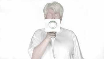 《牛顿》,2009年,高清影像(4分钟16秒)