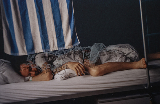 Trevor Yeung, Sleepy Bed (Frankfurt Hostel 1), 2014