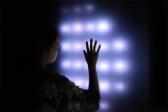文森特.卡瑞诺拉,《独块巨石》,2014年,互动声音装置