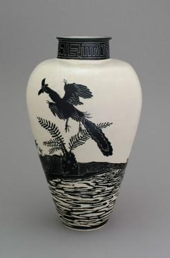 Shio Kusaka, (dinosaur 15), 2014 Stoneware, 64.1 x 37.5 x 37.5 cm Courtesy Gagosian Gallery