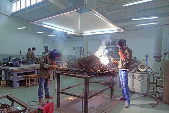 南京艺术学院美术学院雕塑系金属雕塑焊接课程
