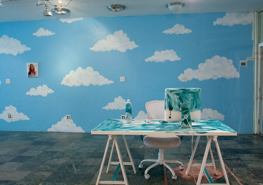 """安妮卡·伊与乔什·克莱恩,""""无爱婚姻""""展览现场, 2014年,纽约179 Canal"""