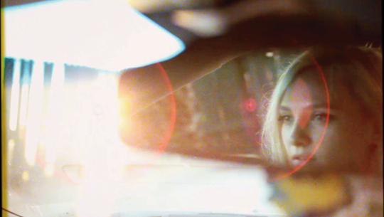 佩特拉·柯林斯《驾驶时间》系列录像截图