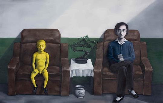 张晓刚,《大女人与小男人》,2012年,布面油画,140×220厘米