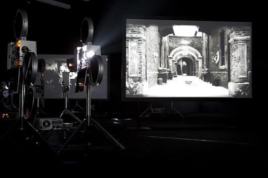杨福东,《离信之雾》,2009年,电影装置