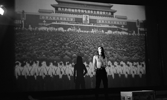 "Shooting the video, for ""Dream Retuen to, Tang Dynasty"", 1992, PHOTO: Gao Yuan, Courtesy Lens"