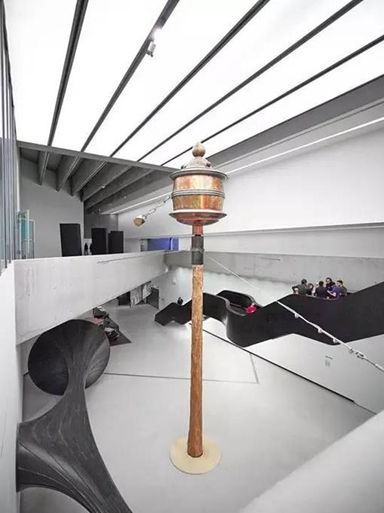 Ehi Ehi Sina Sina, 2000-2006 Vue de l'exposition « Bâton-Serpent » au MAXXI,2014, Rome